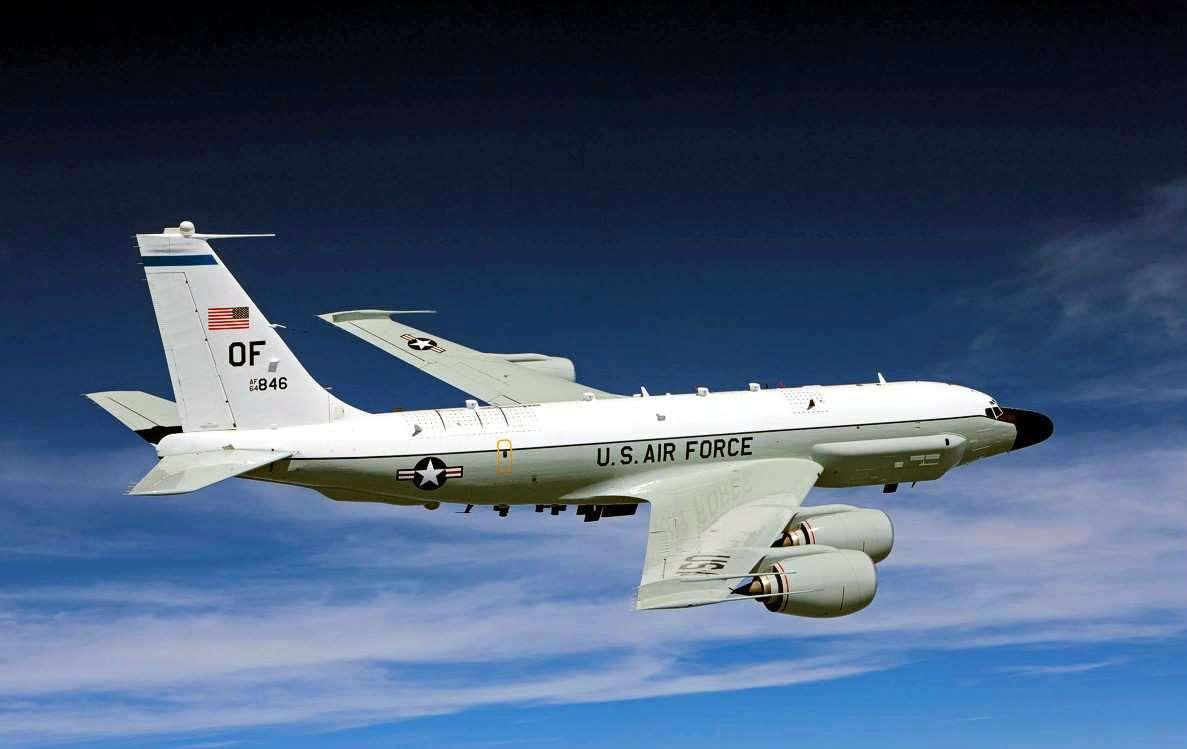 Разведовательный самолет США изучал обстановку на Крымском побережье