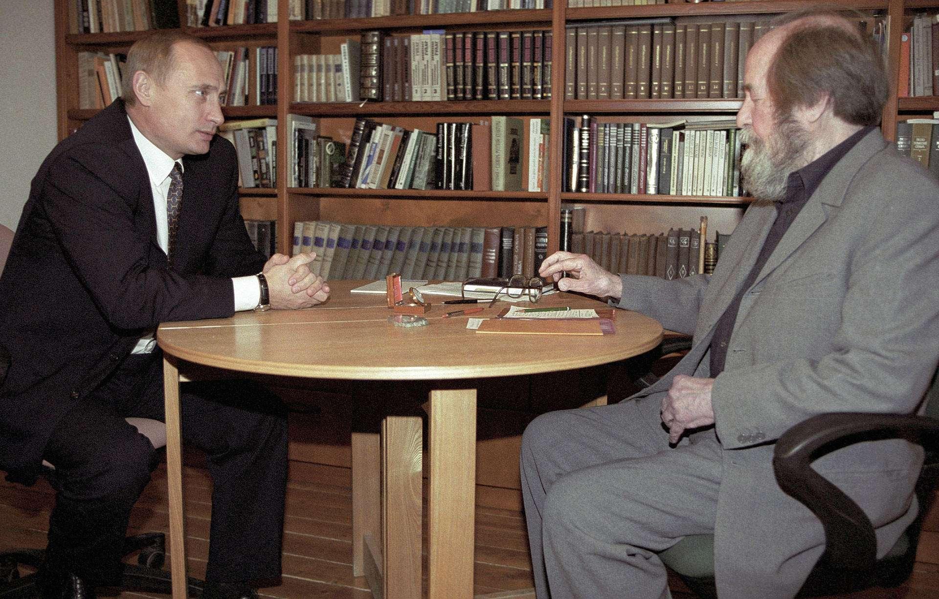 А. И. Солженицын: жизнь и судьба самого «спорного» писателя 20 века