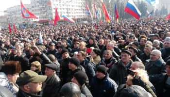 Москва не оставит: Сурков пообещал помочь Донбассу