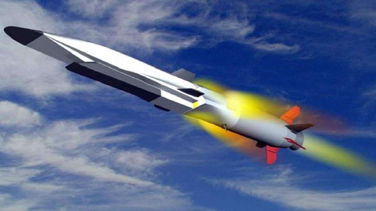 Достигнет цели за полминуты: РФ разрабатывает гиперзвуковую ракету